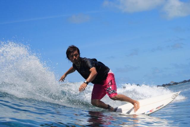 インドネシアのバリ島でサーフィン中の日本人男性が死亡